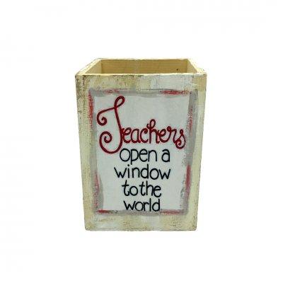 Μολυβοθήκη ξύλινη τετράγωνη για τη δασκάλα/ο