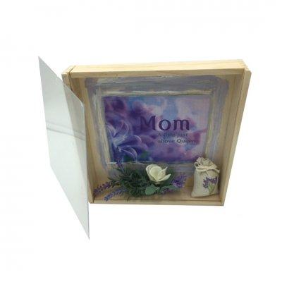 Χειροποίητο κουτί - κάδρο λεβάντα Mom με σαπουνάκια ροδοπέταλα